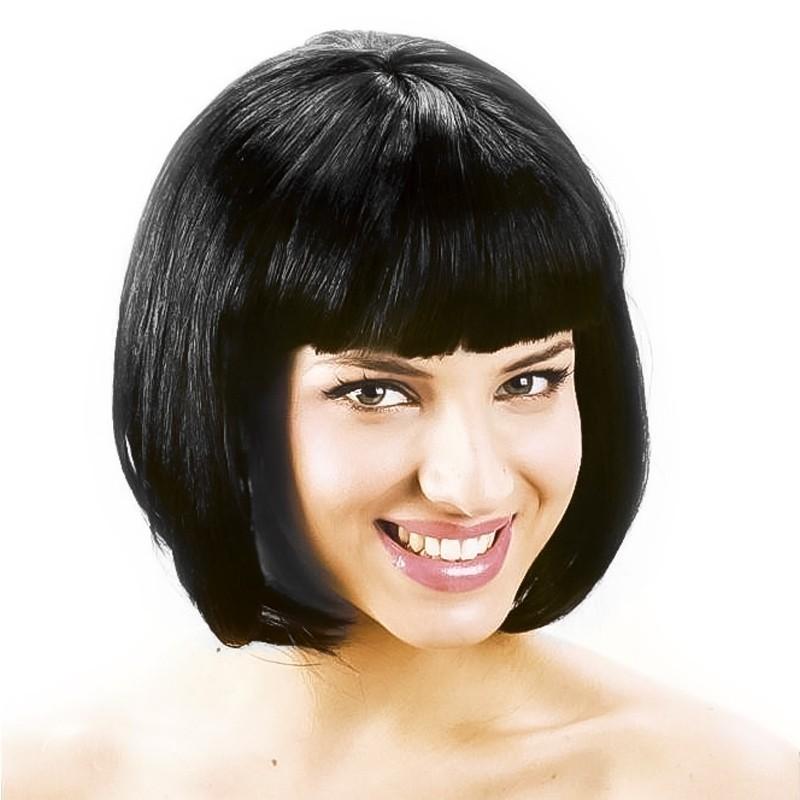 peluca negra corta